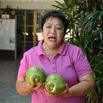 เกษตรกรชุมชนตะเคียนเตี้ย จ.ชลบุรี กินกะลามะพร้าว ขายกิโลละพัน!